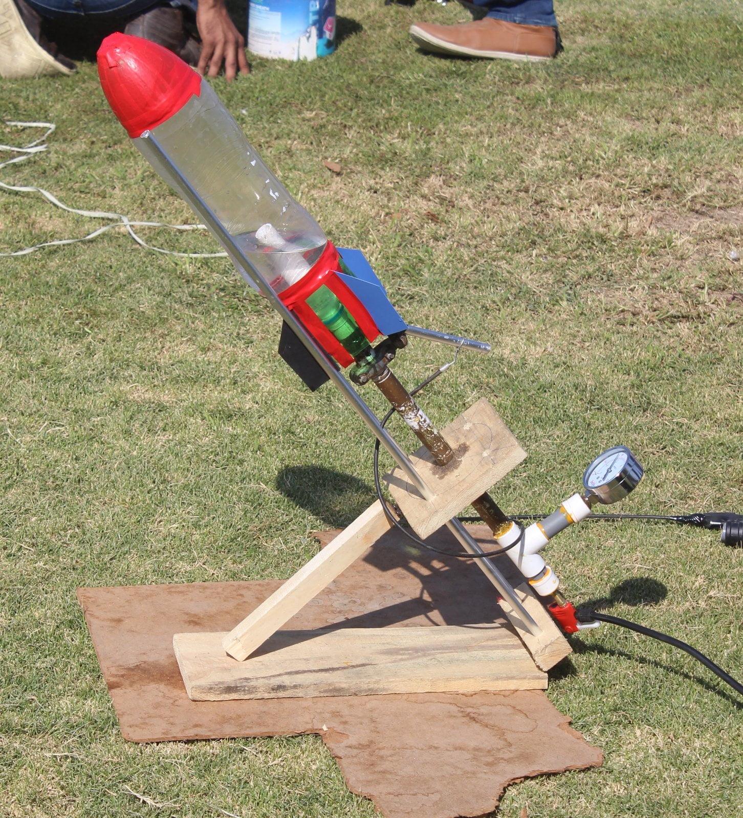 Soda Bottle Rocket: Soda Bottle Water Rocket Launcher Online ScienceStore.pk