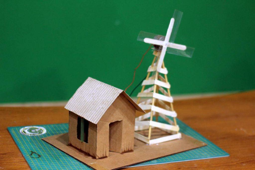 Wind Turbine Kit   School Science Project